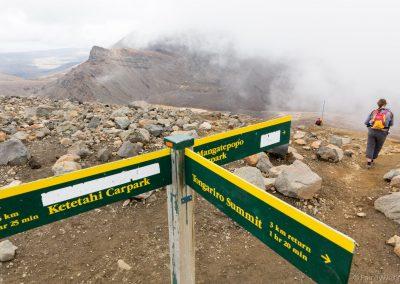 Hinweisschilder am Red Crater, Tongariro NP, Neuseeland