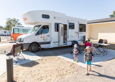 Erster Campingplatz nahe Flughafen, Qeens Grove Caravan Village,