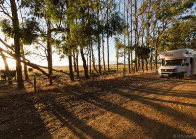 ÜbernaÜbernachtung am Straßenrand wegen überfülltem Campingplatz, West-Australien