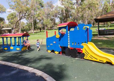 Spielplatz Neil Hawkins Park, Perth, West-Australien
